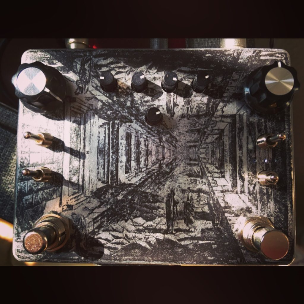 Ezhi & Aka Tape T Dual Tremolo/ Pitch Detuning/ Disaster Box